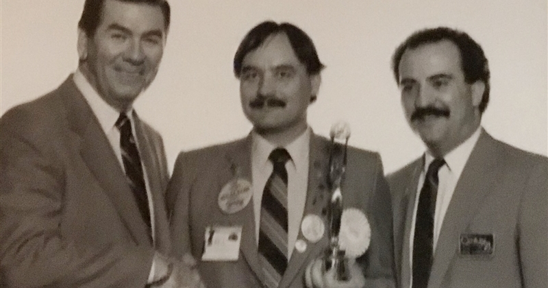 Founder_of_CENTURY_21_Affiliated_Bill_Kessler_Holding_Awards